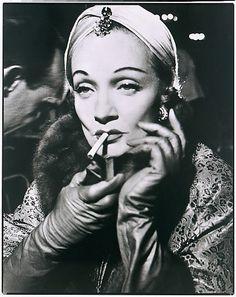 Marlene Dietrich, August 1955 Photographer: Richard Avedon Turban by Dior.