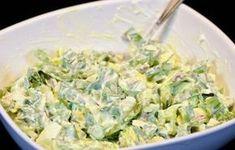 Lahky salat z vajicok a medvedieho cesnaku