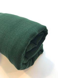 2fea018c03bbb6 Deze mega grote hydrofiele doek heeft veel doeleinden! Gebruik het  bijvoorbeeld als inbakerdoek! #