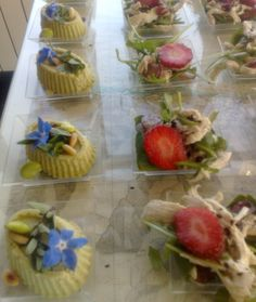 Chicken salad with strawberries, raspeberries and arugula, special flan with beans and toasted pine nuts
