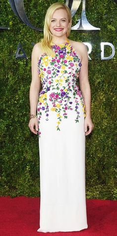 Elizabeth Moss - Petite celebrities with style.  Re-pin via petitestyleonline.com