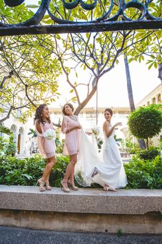 Bridesmaids Wedding Photography.  Cafe Julia Downtown YWCA Honolulu