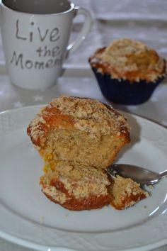 Peach crumble muffins.