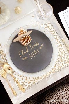 """"""" Golden holiday tablescapes keep guests warm with a sweet greeting. Christmas Table Settings, Christmas Tablescapes, Wedding Table Settings, Thanksgiving Decorations, Place Settings, Holiday Tablescape, Thanksgiving Countdown, Happy Thanksgiving, Christmas Decorations"""