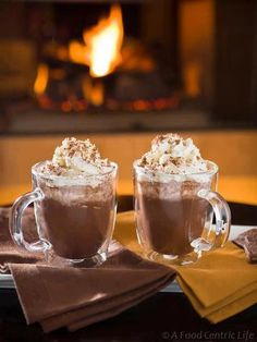 Looking for Fast & Easy Christmas Recipes, Drink Recipes, New Years Recipes! Recipechart has over free recipes for you to browse. Find more recipes like Winter Dream Hot Chocolate. Mexican Hot Chocolate, Hot Chocolate Recipes, Chocolate Coffee, Chocolate Baileys, Chocolate Bars, Chocolate Lovers, A Food, Food And Drink, After Dinner Drinks