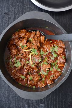 Gosht Durbari (Lamb Curry slow cooked with Yoghurt, Fried Onions and Spices) - a delicious slow cooked lamb curry with fried onions, yoghurt and spices - thespiceadventuress.com
