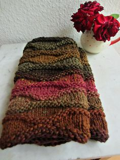Free Pattern: Wave Cowls by Rebecca Hatcher ... in ravelry library ... this is knit with a heavier yarn than original