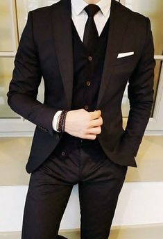 Pin by roya on for mazi in 2019 Blazer Outfits Men, Mens Fashion Blazer, Stylish Mens Outfits, Suit Fashion, Black Suit Men, Mode Man, Style Masculin, Designer Suits For Men, Formal Suits