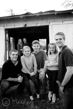 Great family photo idea