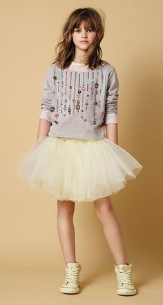 TWIN-SET GIRL spring summer 2016 - so cute for Freddy Fashion Kids, Little Girl Fashion, Stylish Kids, Kids Girls, Tween Girls, Baby Kids, Outfits Niños, Kids Outfits, Little Fashionista