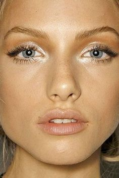Loving this makeup look - fairy look! Use a cream eyeshadow for a soft glow. Try RMS Eye Polish in Lunar