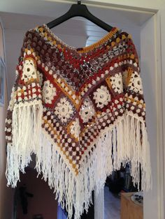 Selbstgemachter Gehäkelter 02. Poncho  Boho by TashahandmadeAndric Knitted Cape, Crochet Poncho Patterns, Crochet Shawl, Crochet Stitches, Knit Crochet, Crochet Clothes, Diy Clothes, Knooking, Granny Square Sweater