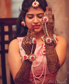This mehendi pose showing off your floral jewellery is not passe! Comment if you will get your mehendi clicked this way on your… Mehendi Photography, Indian Wedding Photography, Photography Flowers, Yellow Photography, Food Photography, Fashion Photography, Indian Wedding Jewelry, Bridal Jewelry, Bridal Accessories