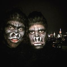 Pin for Later: Seht alle Halloween-Kostüme der Stars Zachary Quinto als Gorilla