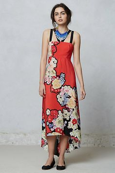 I think this could be a maxi dress that might work on a shortie, but what about a bra solution? Hate strapless...