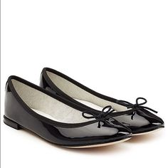 Repetto Cendrillon Black Patent Leather Ballerinas Classic and iconic Repetto Cendrillon Black Patent Leather Ballerinas US size 8 (but they fit more like a 7). Pre owned but lots of life left in them! Repetto Shoes Flats & Loafers