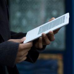 Gli e-book piacciono e la loro ascesa ne è la dimostrazione. Negli USA hanno sorpassato i libri cartacei mente in Italia, nel 2012, i prodotti digitali sono triplicati e gli editori iniziano a prenderne coscienza ma la rivoluzione della lettura su tablet sembra essere ancora lenta...
