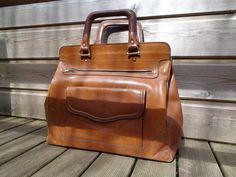 dabf765fc480 Large handbag leather vintage brown camel 1960 1970 - bag with rigid  handles