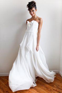 Organza Sweetheart Column Wedding Dresses with Flower Bust