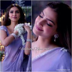 Sonam Kapoor's lavender color saree in jalte diye song # color . Sonam Kapoor Saree, Sonam Kapoor Movies, Lavender Color Dress, Lavender Dresses, Satin Saree, Chiffon Saree, Trendy Sarees, Fancy Sarees, Saree Wedding
