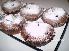 Шоколадные кексы со смородиной. Пошаговый рецепт с фото на Smakoliki.com
