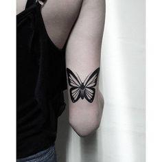 #mulpix Butterfly / Borboleta ...  #tattoo  #tattoos  #tatuagem  #borboleta  #butterfly  #photooftheday  #followme  #photo   #blackandwhite  #insect  #fotografia  #insta  #new  #tattoo2me  #inspirationtatto  #liberdade  #love  #smile  #art  #work  #repost  #inspiration  #cute  #black  #white  #now  #girl  #man