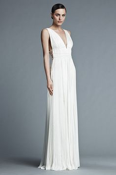 Greek goddess style wedding dress by J. Mendel, Spring 2015 - i would love to wear this dress in ox blood Grecian Gown, Grecian Wedding, Fashion Week, Look Fashion, Fashion Ideas, J Mendel Bridal, Bridal Gowns, Wedding Gowns, Greek Dress