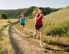 Coach Edu: How to prevent fading mid race during a marathon o...