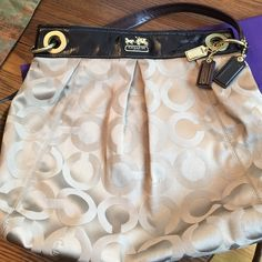 COACH shoulder bag Excellent condition..comes with adjustable strap..shoulder or cross body.. Coach Bags Crossbody Bags