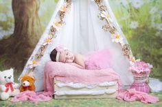 Newborn photo. Newborn baby girl. Deepika Priya photography. Deepika Priya.