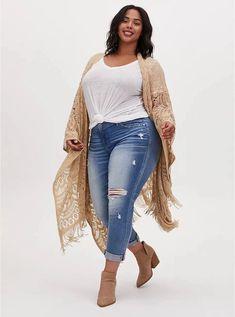Plus Size Boho Outfit Ideas with fringe ruana kimono, cut off denim shorts, rancher felt hat, slouchy suede bag, and snake ankle booties - Alexa Webb #plussize #alexawebb