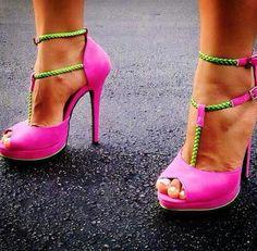Neon Pink & Green Heels ☻                                                                                                                                                                  ⇜•ṄεΦЙ❉€яᗛƶΣ•⇝