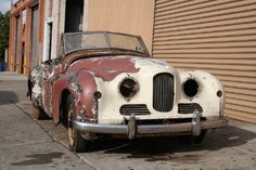 This 1951 Jewett Jupiter is a RHD example in need of full restoration. It comes with may extra parts.  A very rare car to for only $8,950. Gullwing Motor Cars - Peter Kumar  Phone: 718-545-0500  Email: gullwingny@aol.com