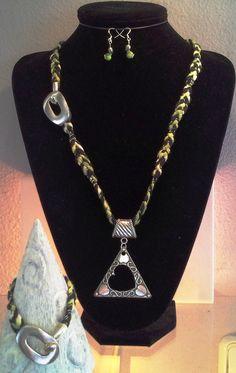 8 warp katia mambo black n green variegated yarn kumihimo braid necklace, earrings n bracelet