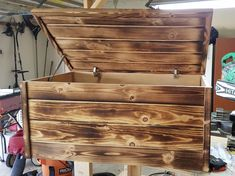 Blanket Box, Blanket Chest, Cool Woodworking Projects, Wood Projects, Diy Storage Trunk, Toy Box Plans, Wood Box Design, Diy Toy Box, Wooden Toy Boxes