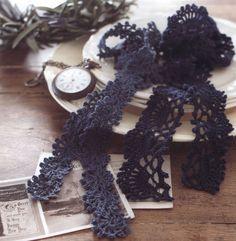 모티브스카프 / 심플한 코바늘 미니스카프 도안 Knitted Shawls, Crochet Scarves, Knit Crochet, Crochet Borders, Crochet Patterns, Crochet Ideas, Easy Diy Crafts, Hobbies And Crafts, Christmas Wreaths