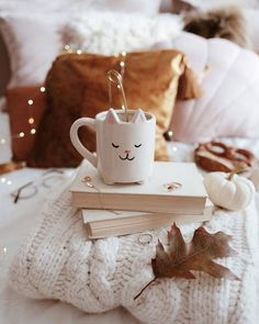 Image shared by Elana. Find images and videos on We Heart It - the app to get lost in what you love. Cozy Aesthetic, Good Morning Coffee, Autumn Cozy, Tea Sandwiches, Autumn Photography, Coffee Cafe, Cute Photos, Fall Pumpkins, Pet Birds