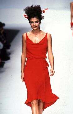 Valentino - Ready-to-Wear - Runway Collection - WomenSpring / Summer 1997
