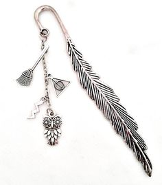 Items similar to Potterhead bookmark - antique silver metal bookmark - fandom bookmark - hallows - potter - owl - wizard bookmark on Etsy Hogwarts, Harry Potter Bookmark, Free Dobby, Feather Design, Deathly Hallows, Great Christmas Gifts, Antique Silver, Silver Metal, Custom Engraving