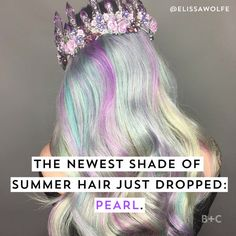 The pearl color hair trend is perfect for mermaid beauty lovers as it resembles the holographic hair trend with a more subtle color as it comes from a faded pastel balayage hue.