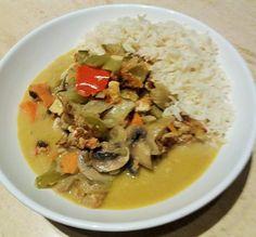 vegan waterzooi met pompoen, champignons, wortels, rode paprika, gerookte tofu, venkel en courgette met basmati rijst