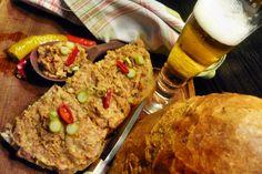 Pikantná bôčiková nátierka s pivom (fotorecept) - recept Fried Rice, Ale, Fries, Ethnic Recipes, Food, Ale Beer, Essen, Meals, Nasi Goreng