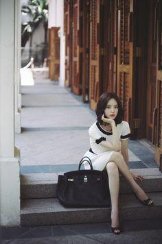 밀크코코아에 수없이 많은 윤선영씨 사진은 문자 그대로 예술이지만.......지금 당장 화보로 담아내도 손색...