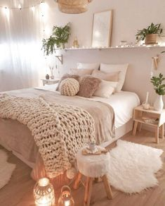 Cute Bedroom Ideas, Cute Room Decor, Room Ideas Bedroom, Home Decor Bedroom, Bedroom Inspo, Bedroom Wall, Bedroom Storage, Bedroom Ottoman, Ottoman Decor