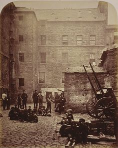 Scotland Glasgow 1868 Close, No. 46 Saltmarket, from Old Closes and Streets of Glasgow, Thomas Annan Welcome to Victorian Glasgow, take a step back in time and wonder down the lives and events of Glasgow's Victorian Era. Old Pictures, Old Photos, Vintage Photographs, Vintage Photos, Glasgow Scotland, Edinburgh, Scotland Castles, History Of Photography, Street Photography