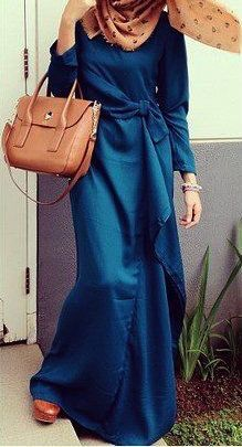 Blue dress with brown hijab