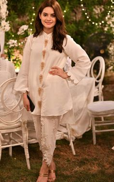 Order contact my whatsapp number 7874133176 Minal khan Pakistani Fashion Party Wear, Indian Fashion Dresses, Indian Designer Outfits, Pakistani Outfits, Fancy Dress Design, Stylish Dress Designs, Simple Pakistani Dresses, Pakistani Dress Design, Kurti Designs Party Wear