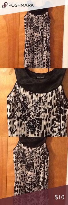 SO CUTE! Pleated dress or tunic. SMOKE FREE HOME. Cute, comfortable & silky pleated dress or tunic. Dresses