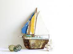 Beach House Decorating | Coastal Vintage | http://nauticalcottageblog.com