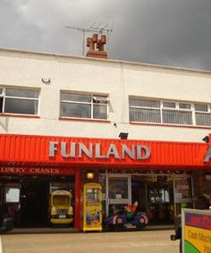 Funland's Amusements and Childrens Rides----A true seaside style amusement arcade situated on the charming Coble Landing. The arcade offers a selection of both traditional and modern games and slot machines. Coble Landing, The Beach, Filey, North Yorkshire, YO14 9LF. 01723 515400